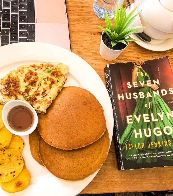 Book Review: The Seven Husbands of EvelynHugo